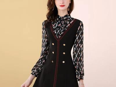 假两件赫本风小黑裙优雅时尚v领印花连衣裙