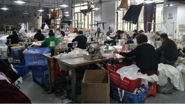 防疫进展越来越好工厂复工工人明显增多
