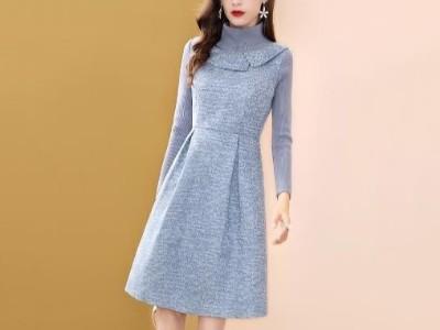 蓝色假两件连衣裙女冬季中长款针织高领A字裙子