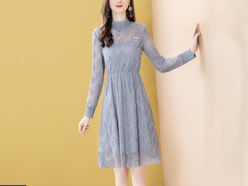 蕾丝蓝色连衣裙长袖收腰显瘦