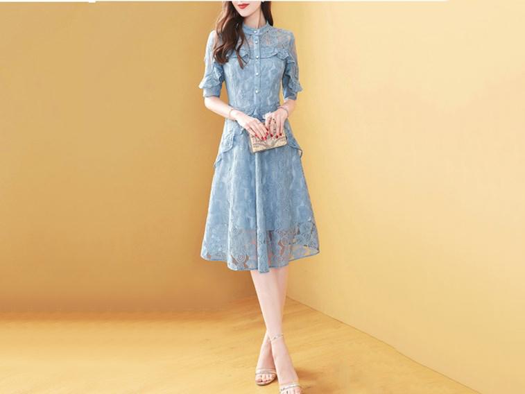 蕾丝连衣裙女新款小清新显瘦流行裙子