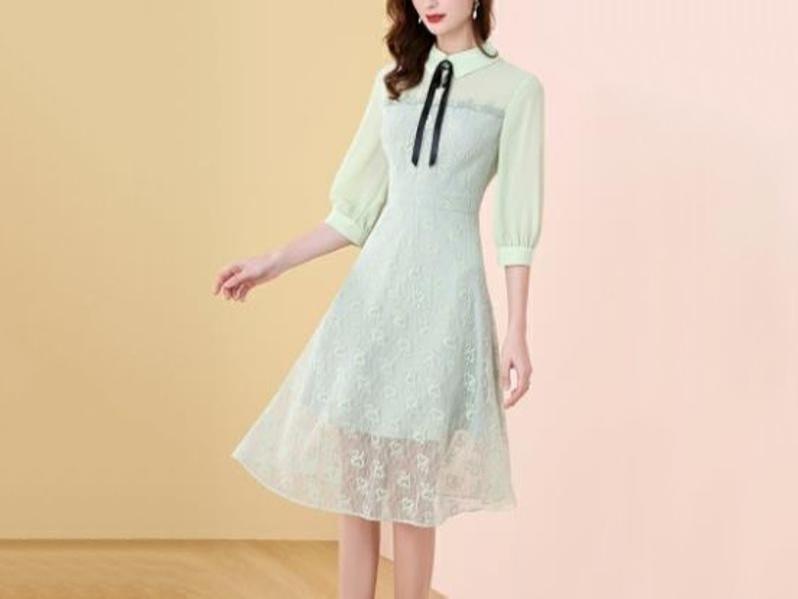 芥末绿中长款连衣裙时尚流行系带蕾丝拼接裙
