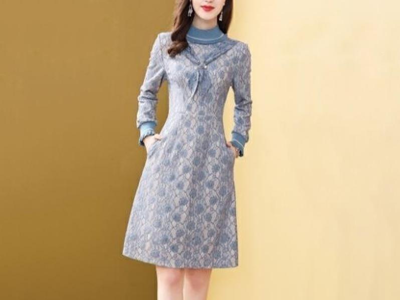 蕾丝连衣裙女名媛气质半高领长袖OL风裙子
