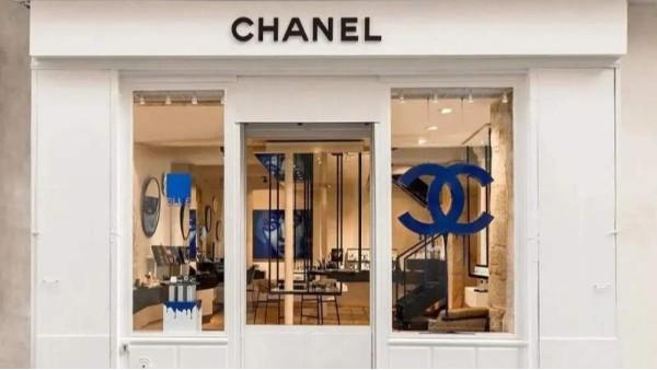 海外豪华品牌纷纷宣布停产,国内品牌则忙着赶货交货