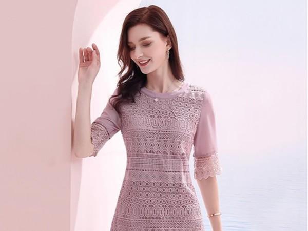 气质蕾丝雪纺拼接圆领收腰显瘦连衣裙