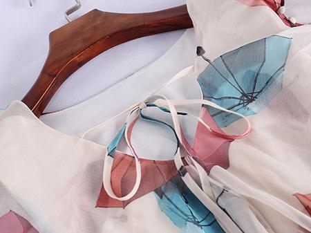 系带雪纺连衣裙细节