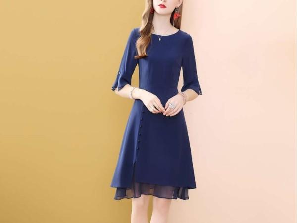 蓝色桑蚕丝真丝连衣裙