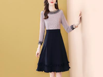 假两件连衣裙设计感中长款拼接A字裙