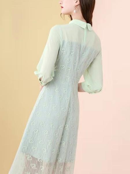 蕾丝女系带圆领钉珠提连衣裙