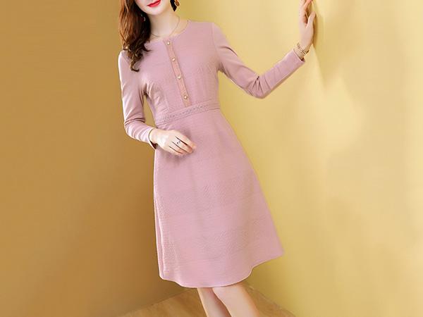 粉色提花连衣裙