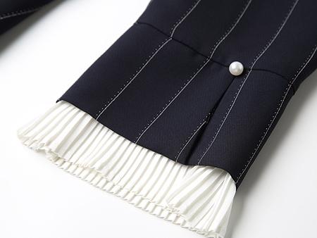 白色娃娃领蓝色条纹连衣裙细节2