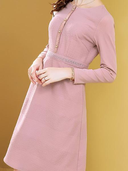 粉色提花连衣裙展示图