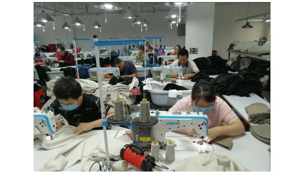 从一条连衣裙定制加工开始,到国际服装时尚设计之都