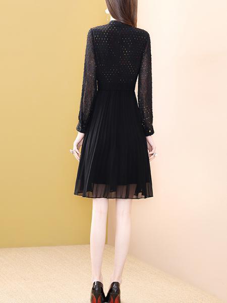 黑色立领连衣裙